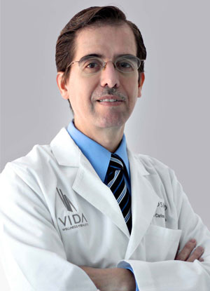 Dr. Carlos Fuentes is a national speaker for Allergan in México, expert on fillers and botox.